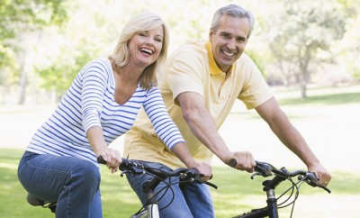 couple-on-bike_WEB