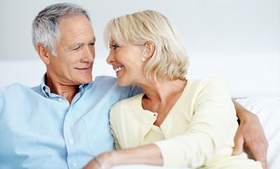 WEB-Senior-Couple-SmileII-iStock_000014401345Medium_web
