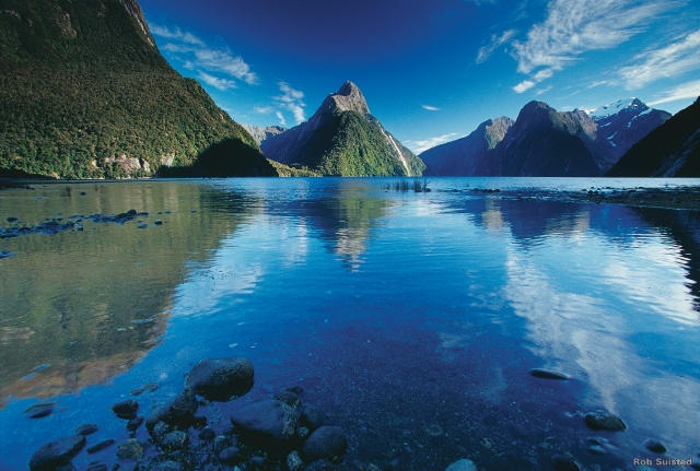 Milford Sound, Lake Town of Te Anau