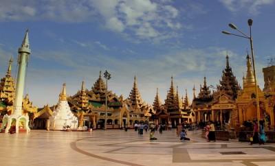 Shwedagon Pagoda Yangon Rangoon, Myanmar