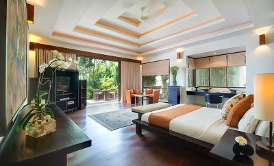 Villa-Mandalay-Right-side-master-bedroom