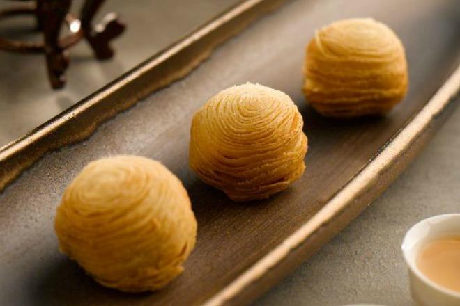 Conrad Singapore Sweet Potato Filo Pastry Mooncake