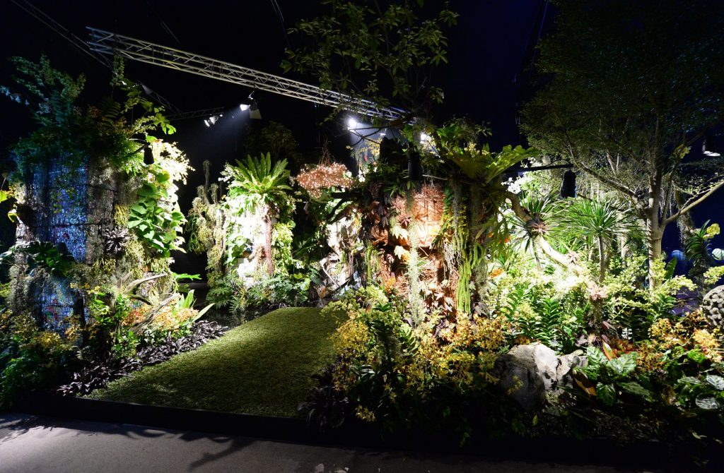 SGF 2014 Fantasy Garden Gold and Best of Show award - Back to the Wild by Michael Petrie